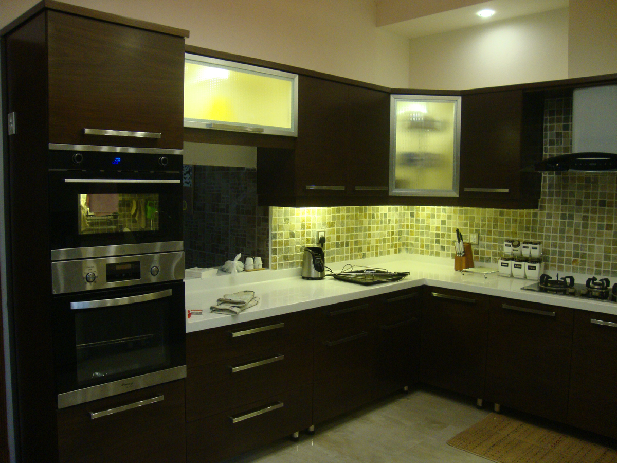 Kitchen project at wapda town lahore art wood veneer for Kitchen design in lahore pakistan